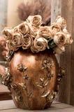 Sepia-Blumen-Anordnung Stockfotos