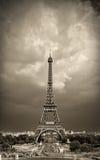Sepia da torre Eiffel tonificado fotografia de stock