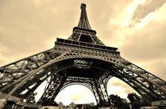 Sepia de la torre Eiffel Imágenes de archivo libres de regalías