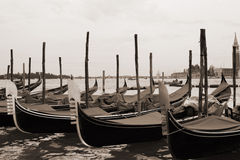 Sepia gestemde cityscape van Venetië Stock Foto