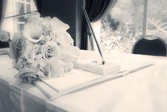 Sepia huwelijk guestbook Stock Afbeeldingen