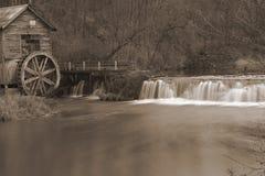 Sepia oude molen Royalty-vrije Stock Foto's