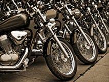 Sepia Tone Parked Motorcycles lizenzfreies stockfoto