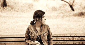 Sepiaporträt des Mädchens Lizenzfreie Stockfotografie