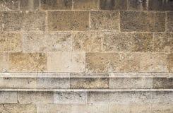 Sepiowi barwioni kamieni bloki na wietrzejącej kościół ścianie Obrazy Royalty Free