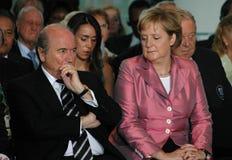Sepp Blatter, Kanzler Angela Merkel stockfotografie