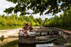 SEPT. 2018 - Ла Granja de Сан Ildefonso, Сеговия, Испания - Fuente de Apolo y Minerva в садах Ла Granja летом стоковые фотографии rf