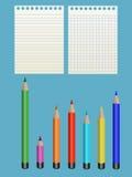 Sept crayon et papier Photographie stock