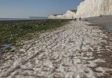 Sept soeurs, East Sussex, Angleterre, le BRITANNIQUE - la plage de craie image stock