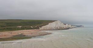 Sept soeurs marquent des falaises à la craie le Sussex est Angleterre R-U photos stock