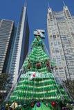 Sept vers le haut de l'arbre de Noël à Changhaï Photos libres de droits