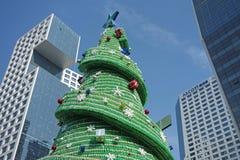 Sept vers le haut de l'arbre de Noël de bouteille Photos stock