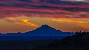 Free September 1, 2016, Mt Redoubt Volcano At Skilak Lake, Spectacular Sunset With Extinct Volcano In View, Alaska, The Aleutian Mounta Royalty Free Stock Images - 84991079