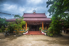 23 september, 2014: Boeddhistische tempel in Vang Vieng, Laos Stock Foto's