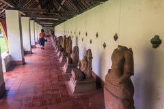 26 september, 2014: De standbeelden van Boedha in Dat Luang, Vientiane, Laos Stock Foto