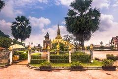 September 26, 2014: Guld- stupa av den Luang i Vientiane som är laotisk Royaltyfria Foton