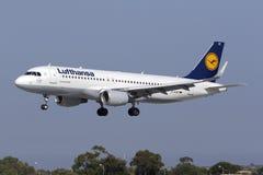4 September 2015, Luqa, Malta: Lufthansa A320 Fotografering för Bildbyråer