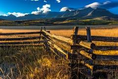 28 september, 2016 - San Juan Mountains In Autumn, dichtbij Ridgway Colorado - van Hastings Mesa, landweg aan Telluride, de Weg v Stock Fotografie
