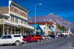 September 2, 2016 - Seward Alaska storefronts en kleine ondernemingen op aardige zonnige dag in Alaska stock foto's