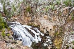 September-Sneeuw op de Yellowstone-Rivier Stock Afbeeldingen