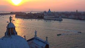 September solnedg?ng ?ver den Venetian lagun italy stock video