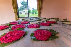 07 september, 2014 - Traditioneel voedsel in Sauraha, Nepal Stock Afbeeldingen