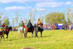 16 september, 2017, Tula, Rusland - het Internationale Militaire en Historische Festival` Kulikovo Gebied `: kijkers en deelnemer Stock Foto