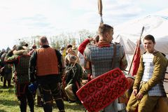 16 september, 2017, Tula, Rusland - het Internationale Militaire en Historische Festival` Kulikovo Gebied `: kijkers en deelnemer Royalty-vrije Stock Afbeelding