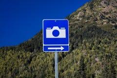 2 september, 2016 - Verkeersteken die op Toneelmeningsvlek voor foto's wijzen, Alaska backroads Stock Afbeelding