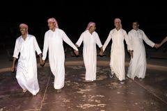17 September 2017 Wadi Rum ökenJordanien Efter matställe gör beduinen ett stort parti, med hård västra musik, mellanmål och drink Fotografering för Bildbyråer