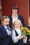 1. September Wissens-Tag in der russischen Schule Tag des Wissens Erster Tag der Schule Lizenzfreie Stockfotos