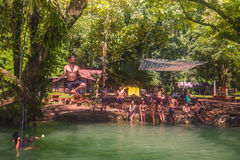 23 septembre 2014 : Lagune bleue dans Vang Vieng, Laos Images stock