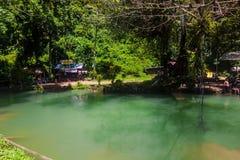 23 septembre 2014 : Lagune bleue dans Vang Vieng, Laos Image libre de droits