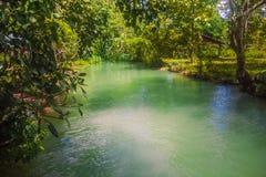 23 septembre 2014 : Lagune bleue dans Vang Vieng, Laos Photographie stock