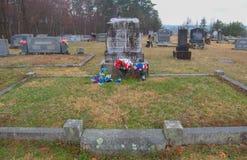 Sepulcros de Chang y de Eng Bunker en el Mt Airy North Carolina fotografía de archivo libre de regalías