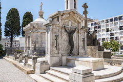 Sepulcros en el cementerio, cementerio Foto de archivo libre de regalías
