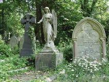 Sepulcros en el cementerio de Highgate, Londres, Reino Unido fotografía de archivo