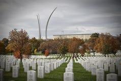 Sepulcros en el cementerio nacional de Arlington Fotos de archivo libres de regalías