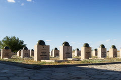 Sepulcros en el cementerio soviético de Rossoshk Stalingrad, Rusia fotografía de archivo libre de regalías