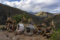 Sepulcros en las montañas imágenes de archivo libres de regalías