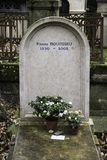 Sepultura de Pierre Bourdieu no cemitério de Paris - de Pere Lachaise fotos de stock