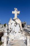 Sepultura decorada rica no cemitério de Roman Catholic Cementerio la Reina em Cienfuegos, Cuba Foto de Stock