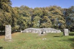 Sepultura noroeste da passagem em montes de pedras de Clava em Escócia foto de stock