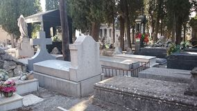 Sepulturas do cemitério, do Madri do ` s de Carabanchel e lápides Imagens de Stock