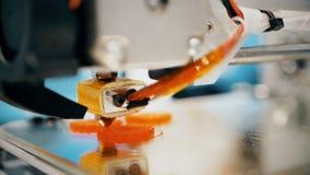 Sequência de trabalho da impressora 3d Imprimir com o filamento plástico do fio na impressora 3D Imprimir com o filamento plástic video estoque