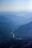 Sequoianationalpark - sikten från Moro vaggar arkivbild