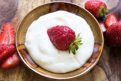 ser chałup truskawek jogurt Zdjęcie Stock