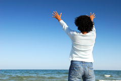 Ser humano com os braços levantados Foto de Stock Royalty Free