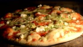 Ser na pizzy topi od upału piekarnik zdjęcie wideo