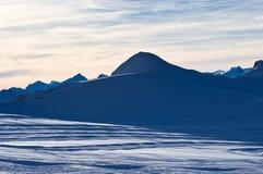 Sera al ghiacciaio di Kaprun in alpi austriache Fotografia Stock Libera da Diritti
